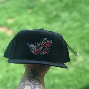 Accessories - Vintage angels SnapBack hat.